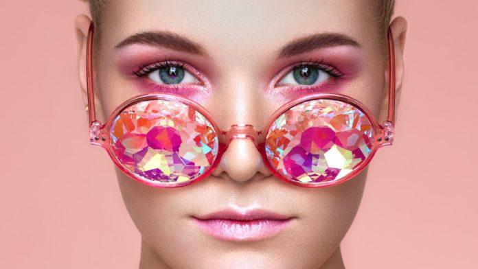 Video: Photoshop ile Fotoğrafları Yeniden Renklendirme!